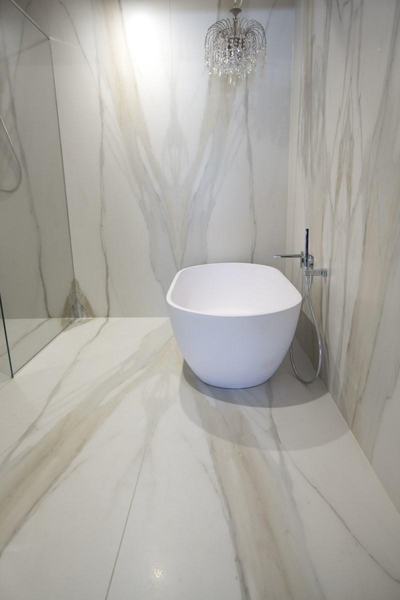 Large Marble Tile Bathroom