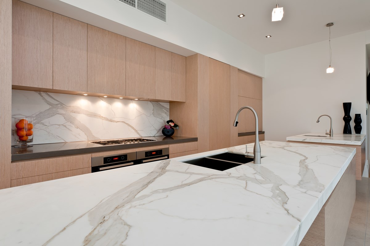 Calcutta Quartz Backsplash