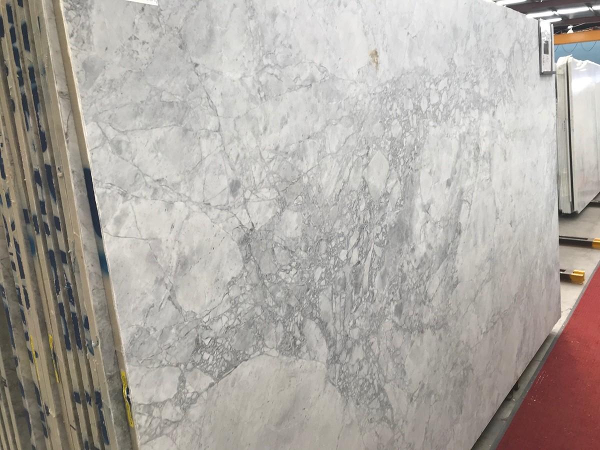 Super White Premium Honed (Marble) > Natural Stone > Quantum Quartz ...