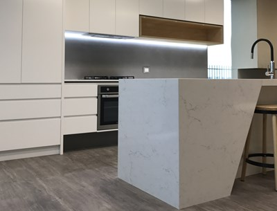 MICHELANGELO QUARTZ (benchtop); NUOVO CONCRETO SIX+ (splashback) - Fine Choice Kitchens VIC